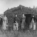 homesteading-women