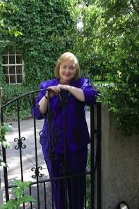 Jodi in the Garden Headshot Good
