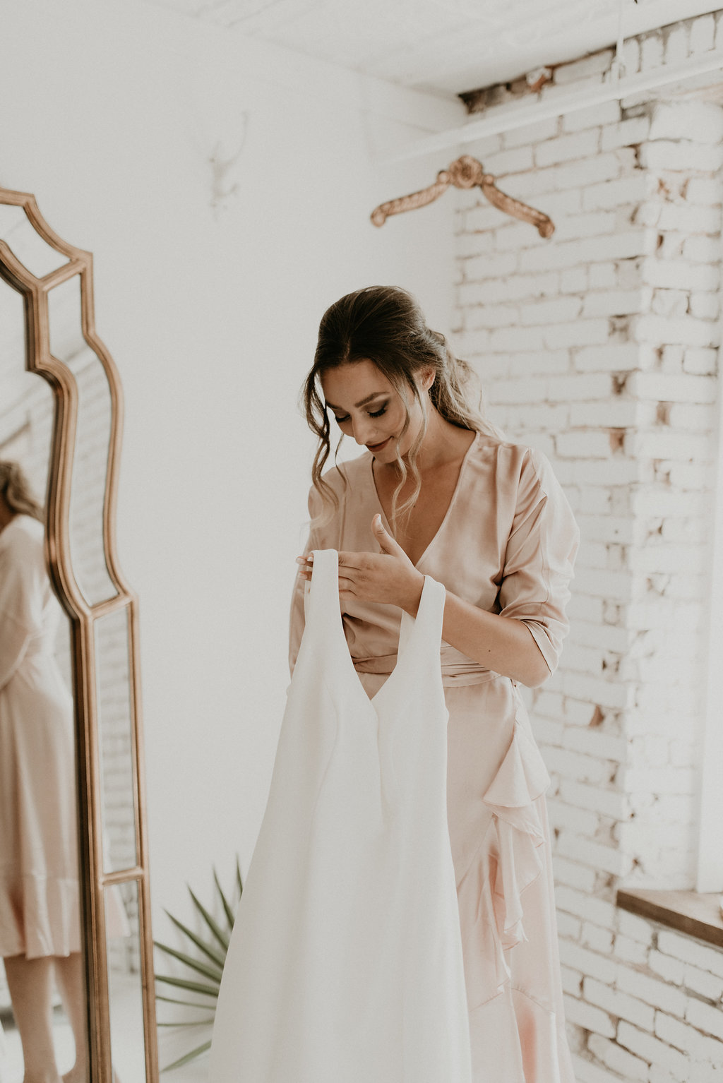 Modern Palm Springs Vibe Wedding, Modern + Greenery Wedding