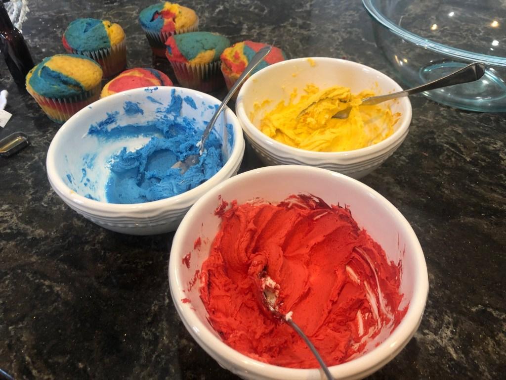 Captain Marvel Jumbo Cupcakes