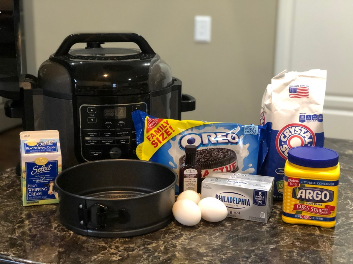Oreo-Cheesecake-Ingredients