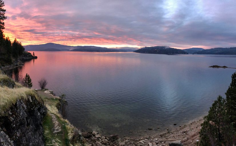 Sol nascendo em Coeur D'Alene, Idaho. Foto: D.Taylor in Idaho, https://creativecommons.org/licenses/by/2.0/