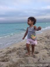 Bela, que ama praia, amou o apê