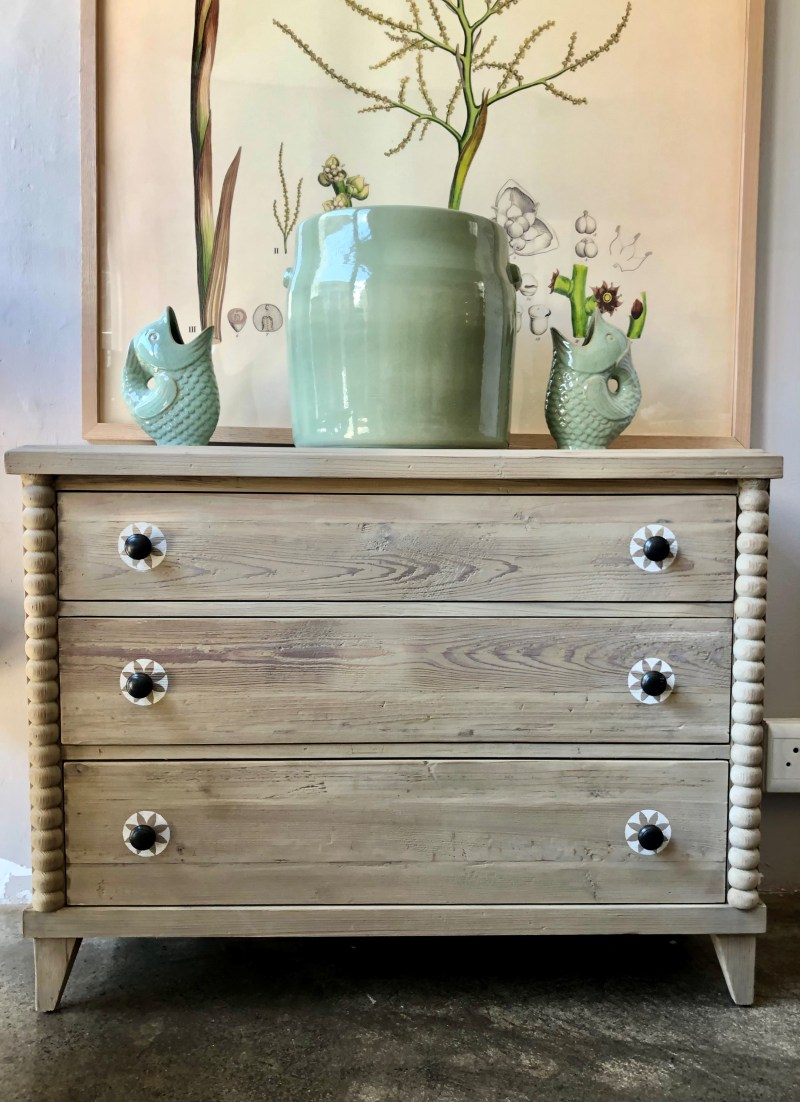 Star Chest of Drawers