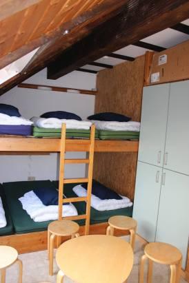 7-Bett-Schlafraum 1