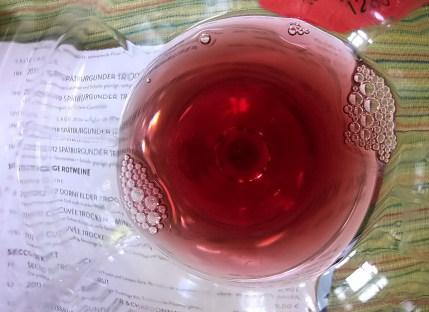 schönes Rubinrot im Glas