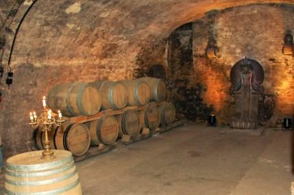 Im historischen Weinkeller