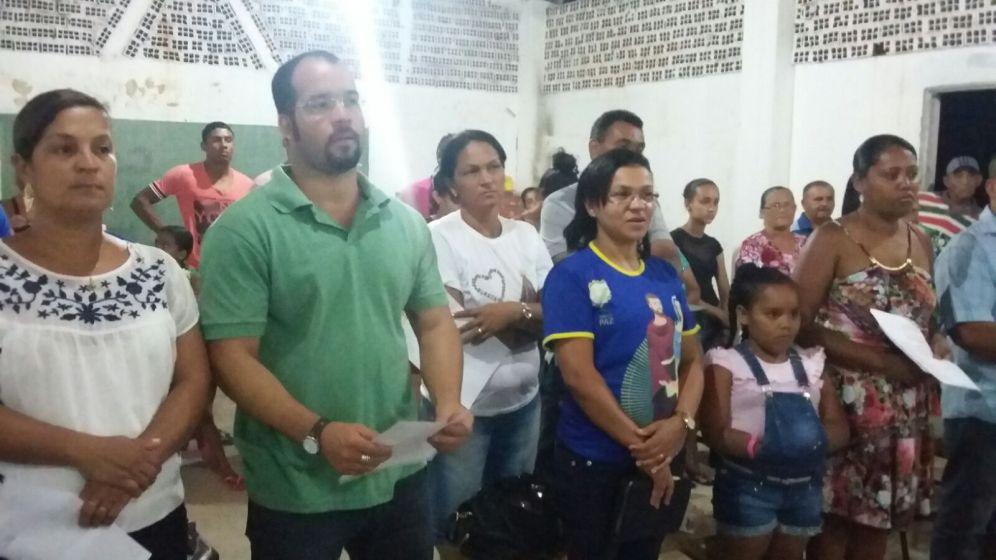 A paróquia de Nossa Senhora da Conceição de Itiúba celebrando a Semana Nacional da Vida.