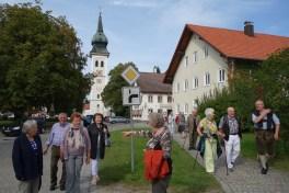 Blick zurück zum Rottenbucher Kirchturm
