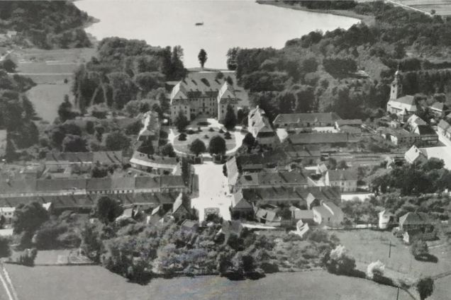 Kunstdenkmäler 1939, Pförten, Stadt und Schloss, Luftbild