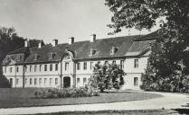 Kunstdenkmäler 1939, Pförten, Schloss, Kavalierhäuser am Ehrenhof