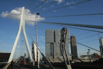 Second look az Erasmus Bridge