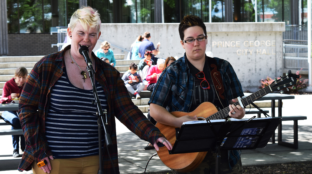 There was also some great entertainment for the foodies checking out Foodie Fridays at City Hall. Bill Phillips photo