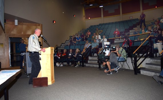 Williams Lake BC Wildfire Service manager Mark Hamm gives an update on the Cariboo fire situation. Bill Phillips photo