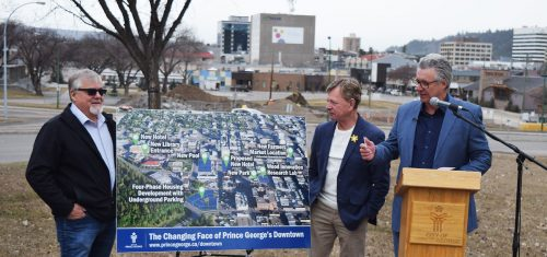 Mayor Lyn Hall (right) talks about downtown development with Coun. Frank Everitt and Coun. Murry Krause looking on. Bill Phillips photo