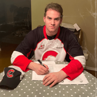 Cougars sign forward Michael Svenson