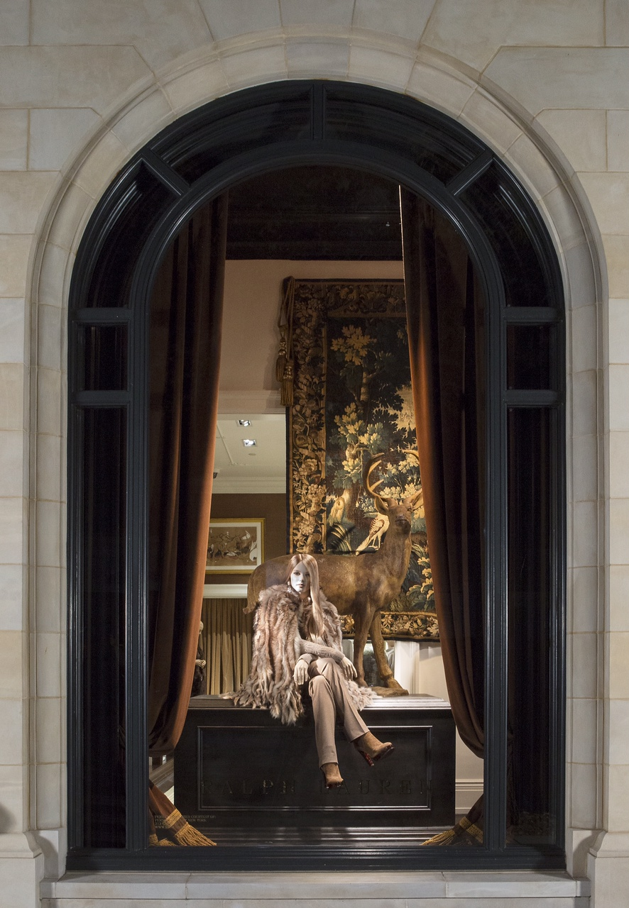 291aff34c 31104 (overhead) Ralph Lauren - 2015 (CT) - Window Display with PGNY  Tapestry 31104 (final
