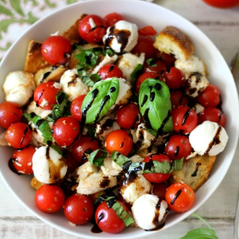 Caprese-Chicken-Panzanella-Salad-007aa