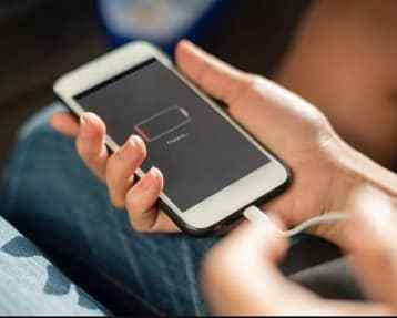iPhone Battery Life | Clean & Extend iPhone Battery Lifespan