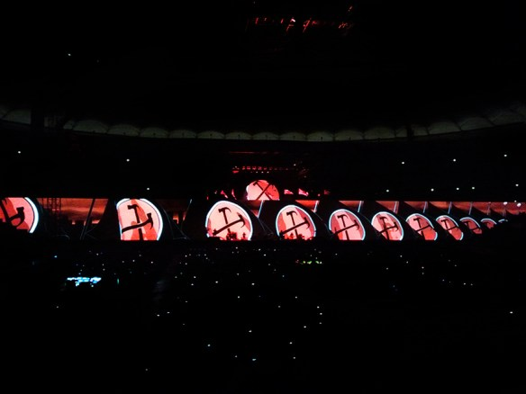 roger_waters_the_wall_live_114_max