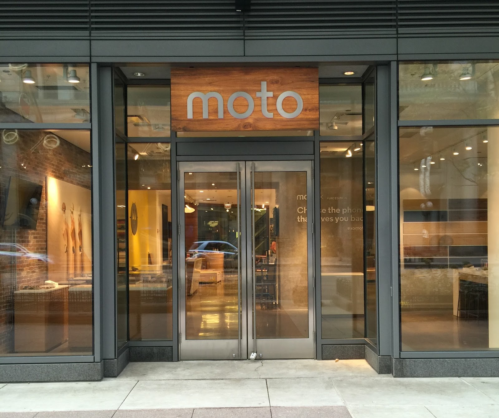 Motorola Is Opening A Cool Retail Shop In Chicago This