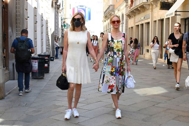 Kate Bosworth and her mother Patricia Bosworth shopping in Venice