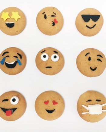 Emoji Party, DIY Cute Emoji Cookies, Easy Emoji Nilla Wafers