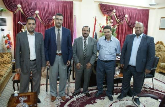 مدير مركز الدراسات الاستراتيجية في جامعة كربلاء يزور كلية الصيدلة و يهنئ السيد عميد الكلية الدكتور احمد صالح الخزعلي بمناسبة ترقيته الى مرتبة (استاذ) .