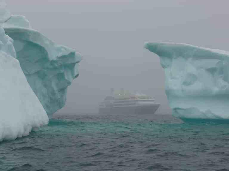 icebergs 337607 1280