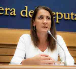 1135px Carla Ruocco presentazione 2