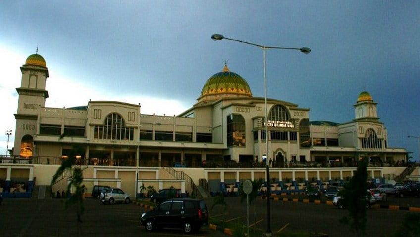 sultan-iskandar-muda-airport