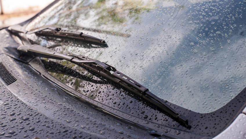 Tips Memaksimalkan Kinerja Wiper dan Washer Mobil Saat Hujan