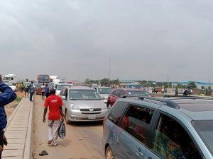 Motorists groan as protesters block Lagos-Ibadan Expressway