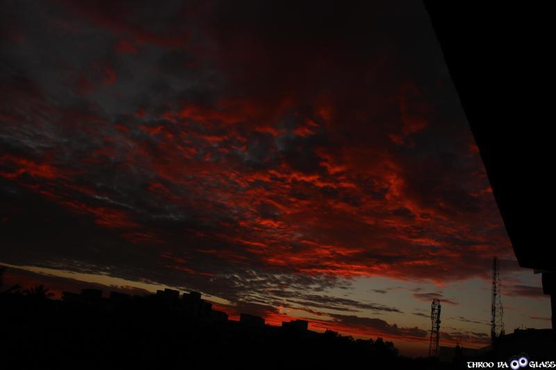 swf,skywatch,fire,sky,karnataka,praveen,throo da looking glass,phenomenon,pravs,matter