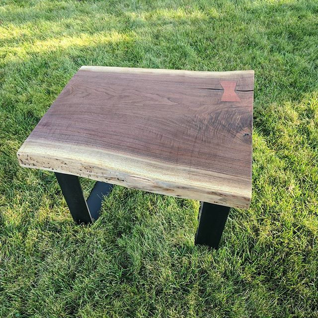 Finished this live edge Walnut end table to go with the coffee table I made earlier. Time to sell this pair soon.#woodworking #newmarket #liveedge #wood #walnut #diy #makeshit