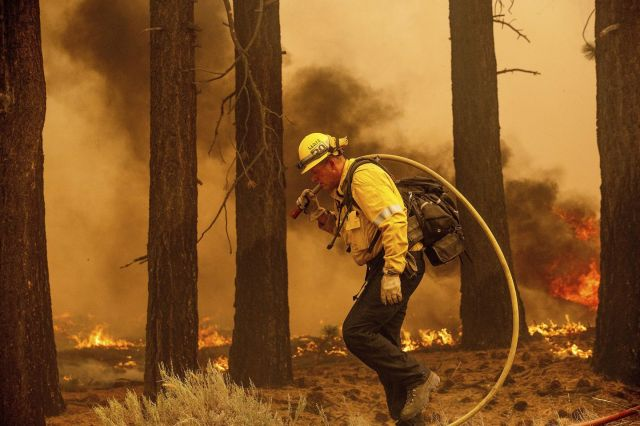 Strong winds push California wildfire closer to Lake Tahoe