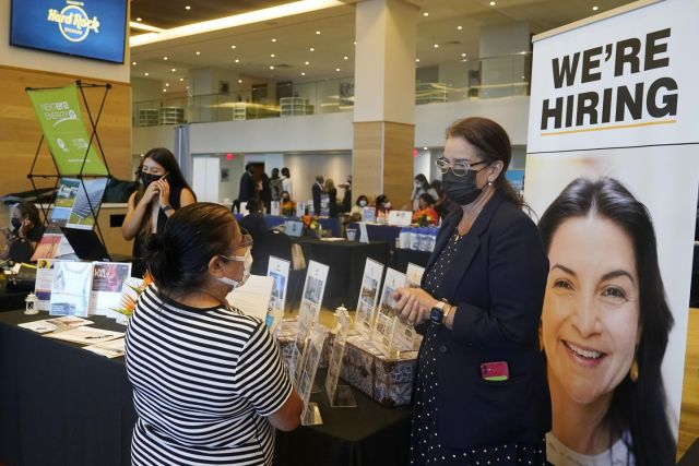 U.S. jobless claims reach a pandemic low as economy recovers