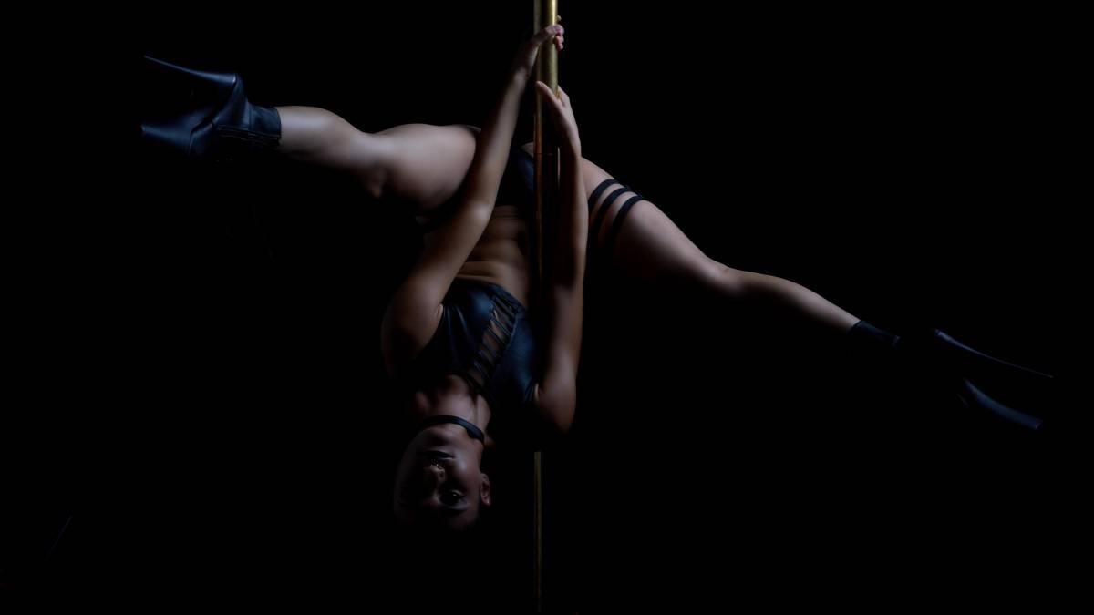 dancer on pole