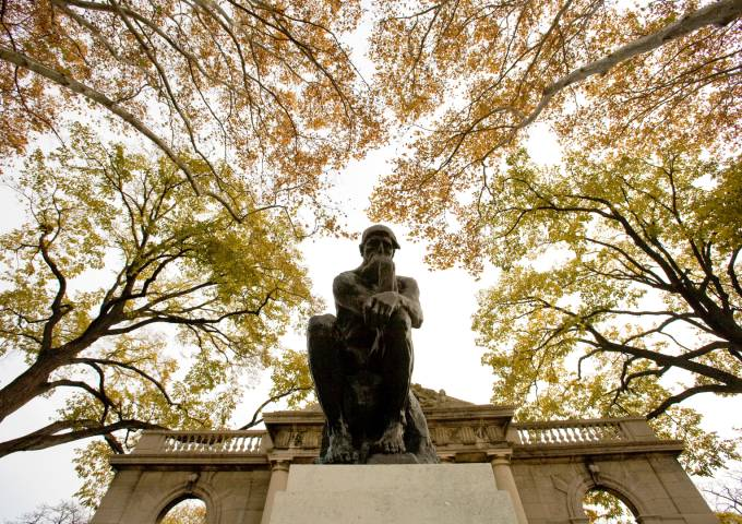 Image of The Thinker statue at the Rodin Museum