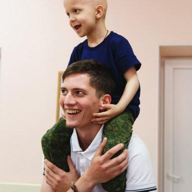 Сильные помогают: 7 историй мужчин о волонтерстве и помощи