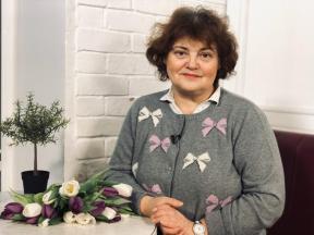 мама Елены Захаровой