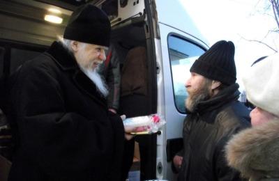 Благотворительность по случаю Рождества