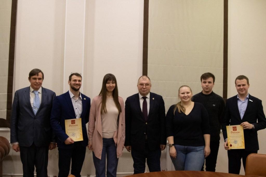Фонд «Истоки» вручил стипендии молодым покорителям космоса