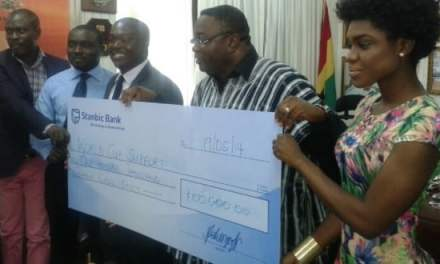 Stanbic Bank donates GH¢130,000 for World Cup and Commonwealth Games prep