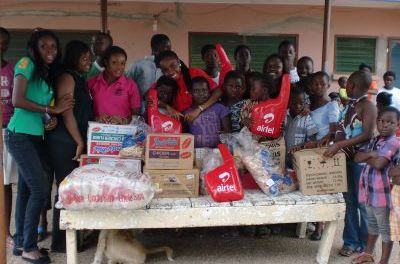 Central U SRC Women's Commission gives to Hearts of the Father Home