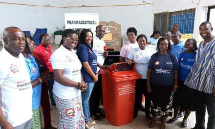 Pharmaceutical Society gives supplies to Teshie schools