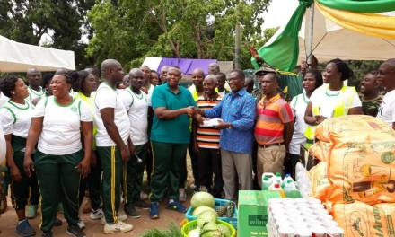 Immigration Service donates to Frafraha foster home