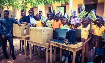 NIIT Ghana gives computers and books to Betenase JHS