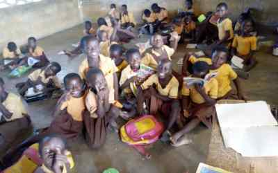 Ghana Maritime Auth. helps Anfobisi get school furniture