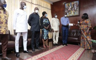 Ghana Used Clothing Dealers give to Covid-19 fund